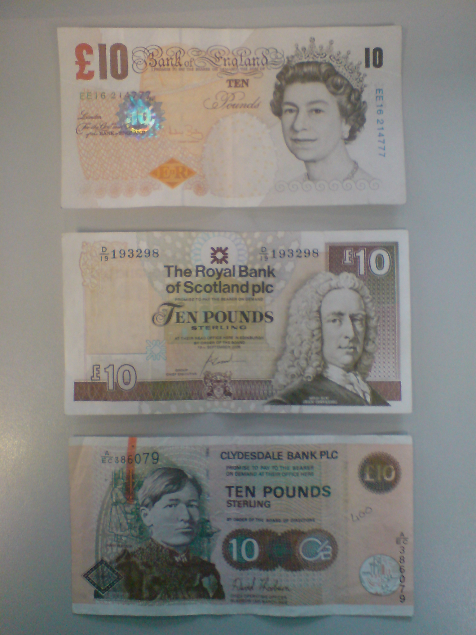 10-quid-001.JPG